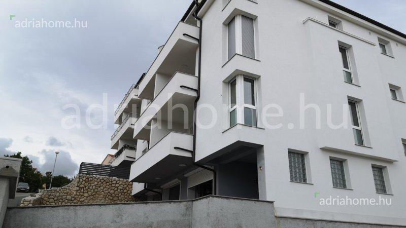 Crikvenica - Novosagrađeni dvosobni apartman sa pogledom