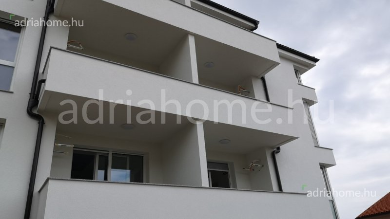 Crikvenica – Newly built, one-bedroom penthouse apartment with sea views