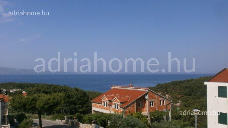 Jelsa – Butorozott apartman kilátással a tengerre Hvar szigeten
