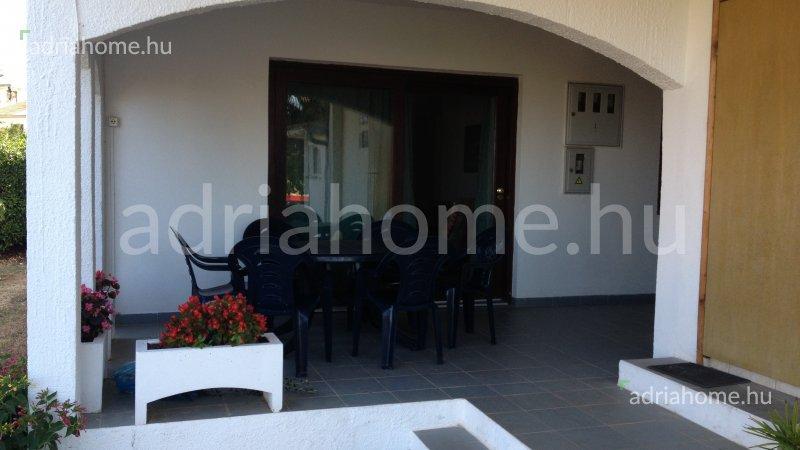 Fažana – Háromszobás földszinti apartman a strand közelében