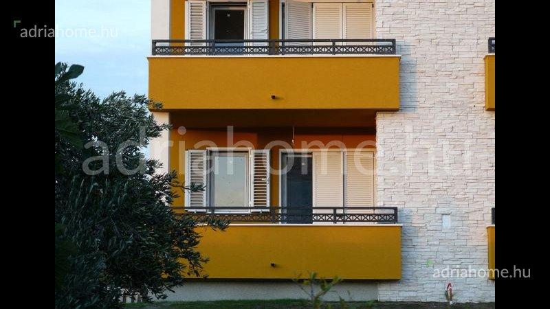 Tribunj - Reprezentative apartments Olive Grove Houses