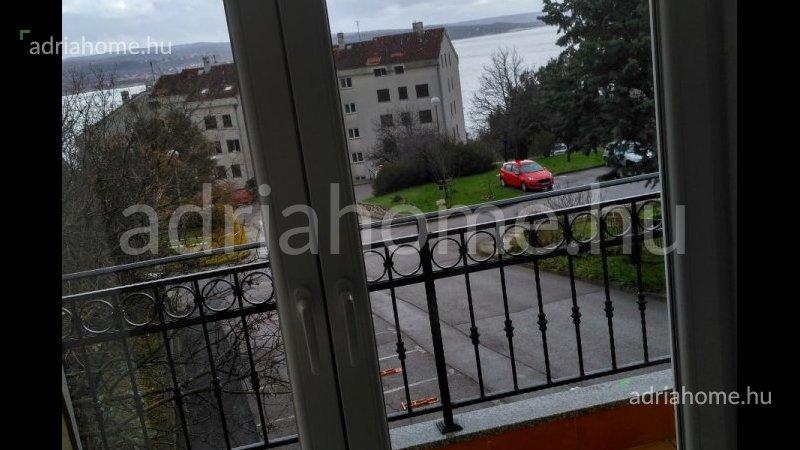 Crikvenica – Emeleti másfélszobás apartman kilátással a tengerre