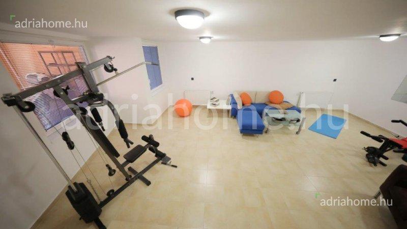 Zadar - Modern, háromszintes családi ház