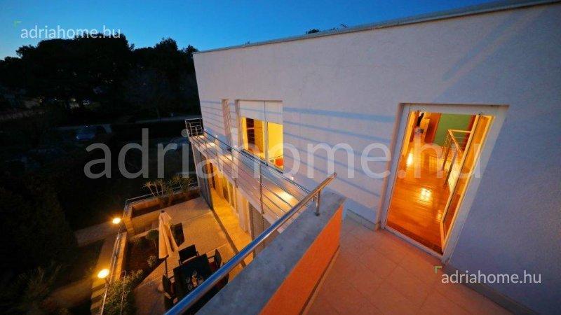Zadar - Modern family house on three storey