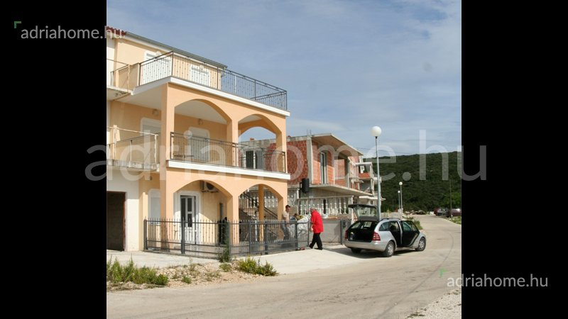 Sveti Petar – Apartmanska zgrada sa 5 apartmana za izdavanjessal a tengerre